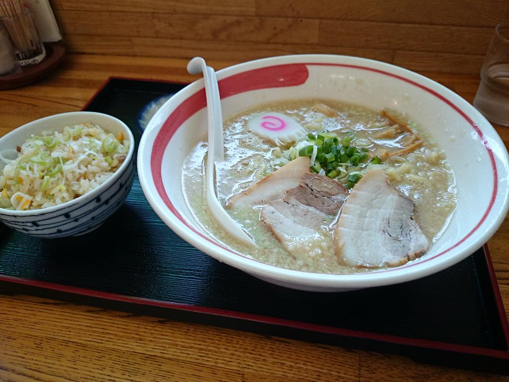 麺屋ごんちゃん(写真1)