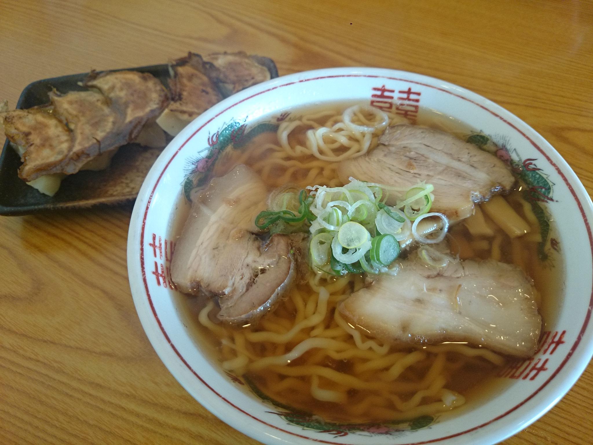 ラーメン うめ八(写真1)